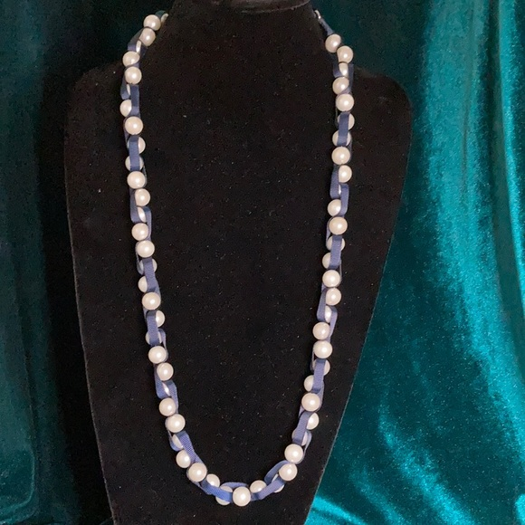 American Eagle faux pearl and ribbon necklace